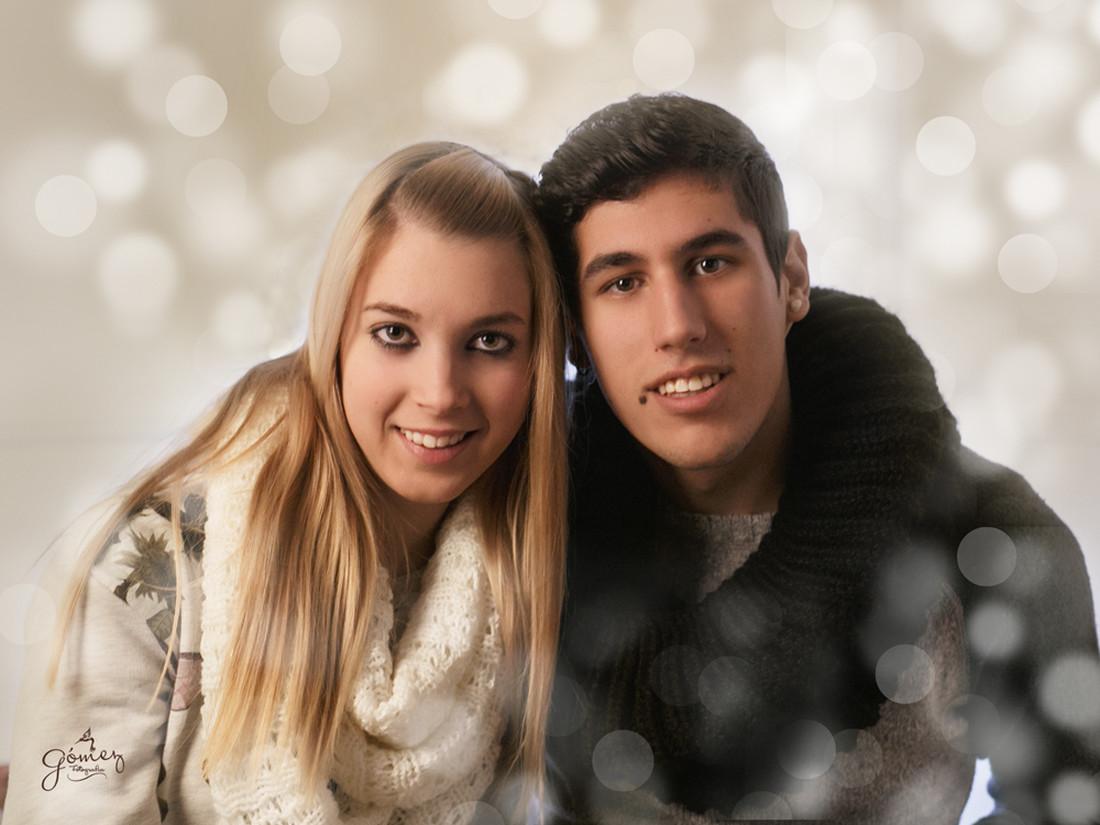 CHRISTMA-BOLA-ROJA-Y-PLATA-15X20